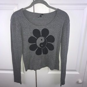 [UO] Truly Madly Deeply Sunflower Yinyang LS